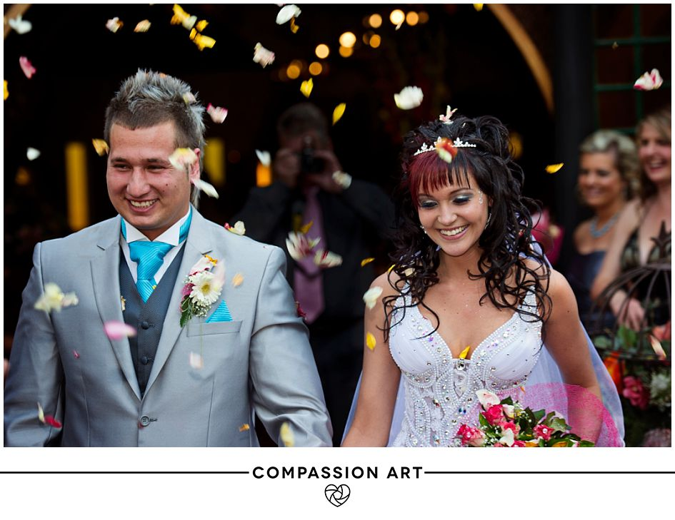 bride-groom-confetti-photo.jpg