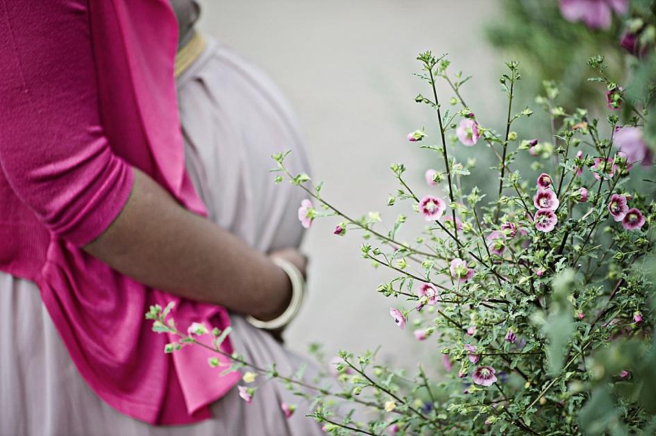 pink maternity photoshoot ideas