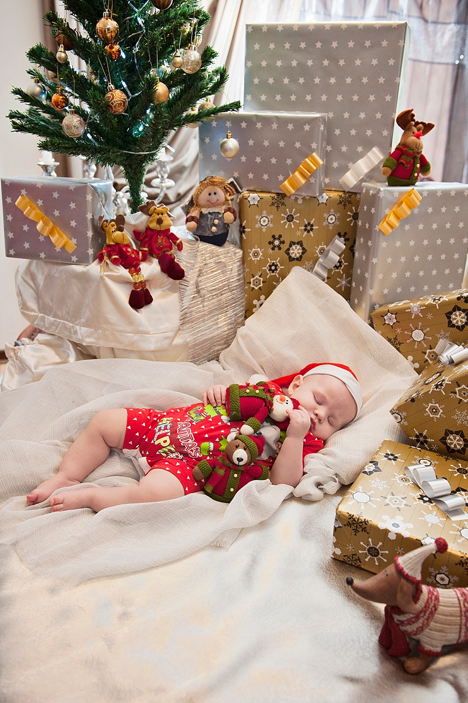 creative-festive-baby-shoot.jpg