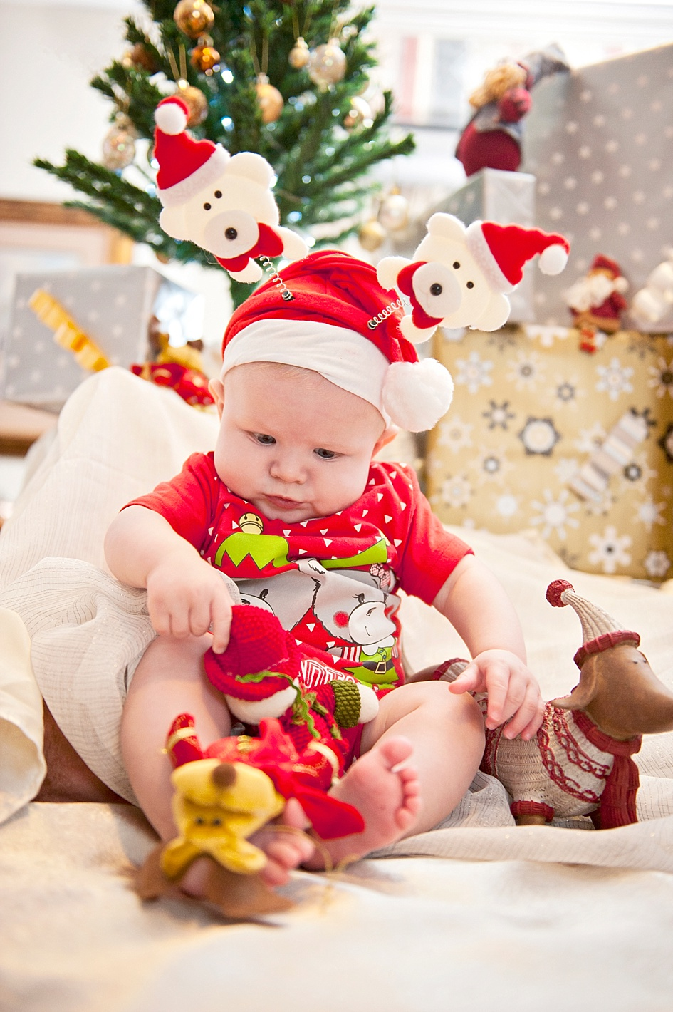 cute-christmas-baby-shoot-ideas.jpg